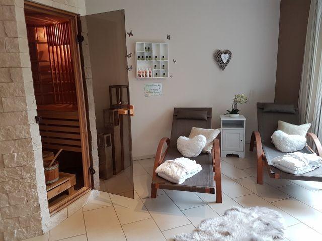 Infrarotkabine mit finnischer Sauna