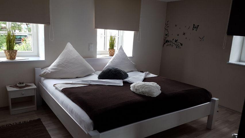 1. Schlafzimmer im OG: mit Doppelbett