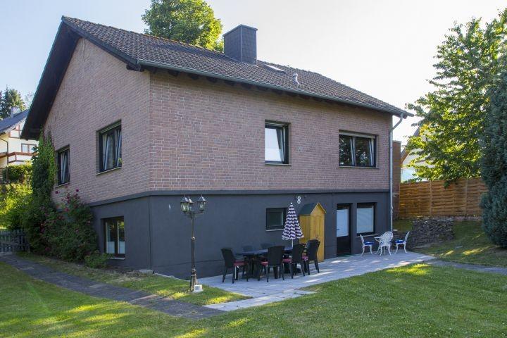 40 m² Terrasse - am Nachmittag im Schatten