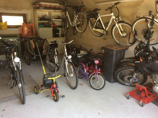 Fahrräder, E-Bikes und Mountain-Bikes Verleih