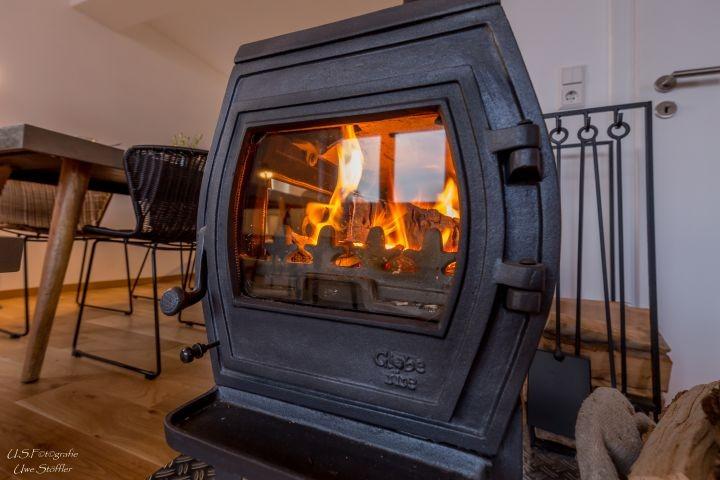 Feuer frei… Schummriges Licht, leichtes knistern, wohlige Wärme