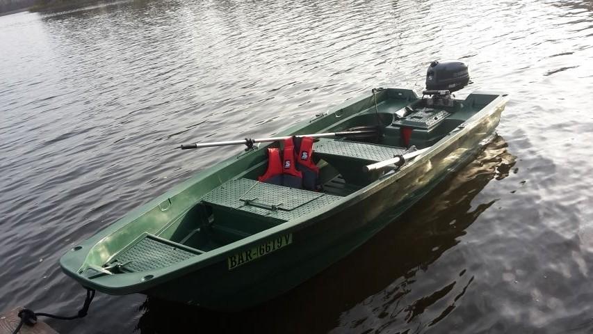 Verleih im Ferienhof: Angelmotorboot mit 5 PS Motor