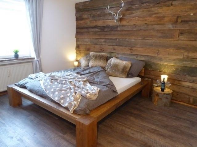 Unser neues Schlafzimmer Nr. 1 mit großem LED - Fernseher.