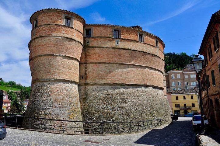 Sassocorvaro, Rocca Ubaldinesca. Hier währen dem WW II viele italienische Meisterwerke verstäckt.