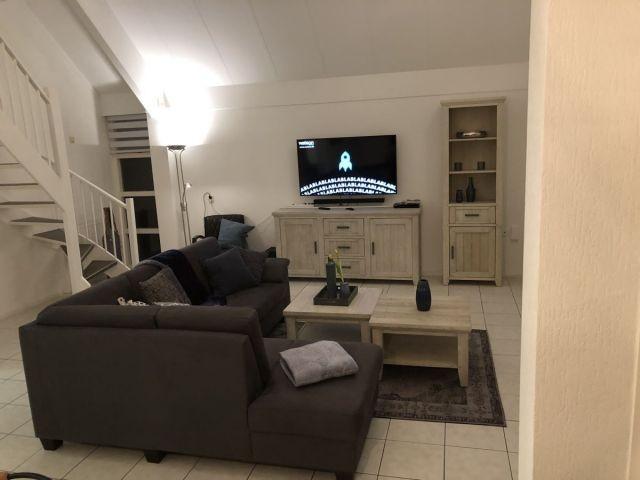 großes offenes Wohnzimmer