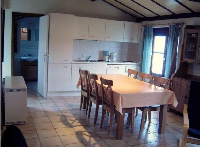 Küche und Essplatz Dünenhaus (Einrichtungsbeispiel)