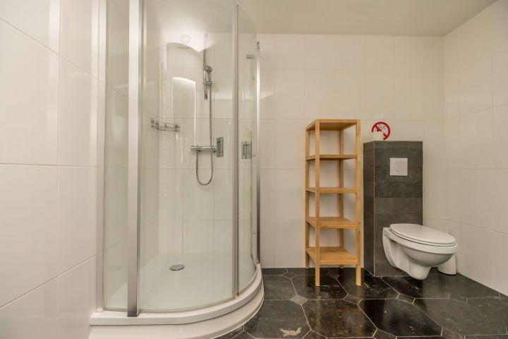 Badezimmer 2 im Hinterhaus (Erdgeschoss)