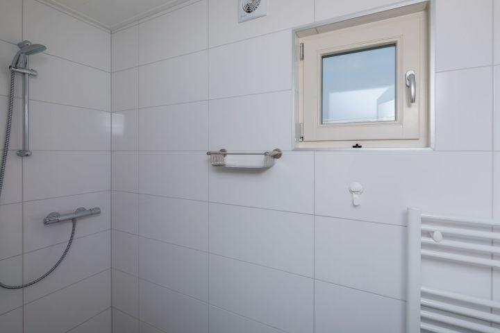 Badezimmer 2 im Erdgeschoss
