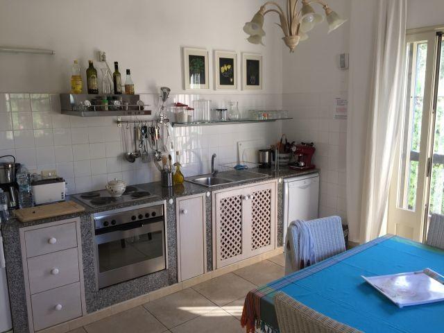 Unsere Küche mit direktem Ausgang in den Garten