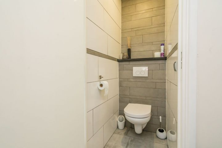 Extra separate Toilette