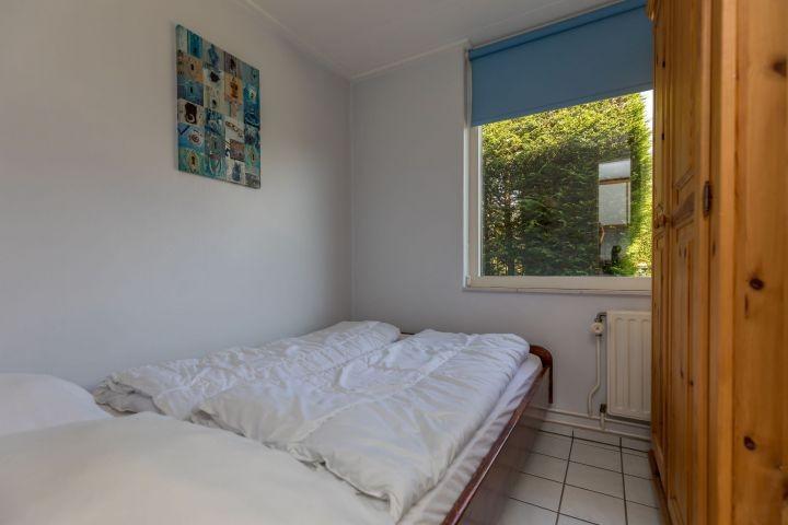 Schlafzimmer 1 mit Doppelbett (140x200