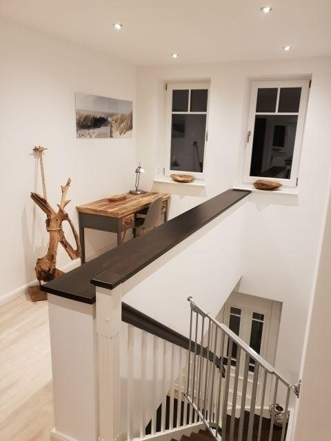 Galerie mit Schreibtisch
