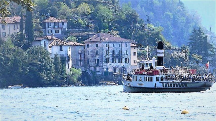 Die Faehre nach Nesso, Como und Bellagio