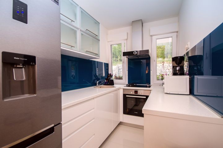Sehr moderne und komplett ausgestattete Küche
