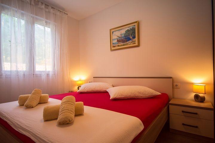 Schlafzimmer Nr2 mit Doppelbett 180x200cm