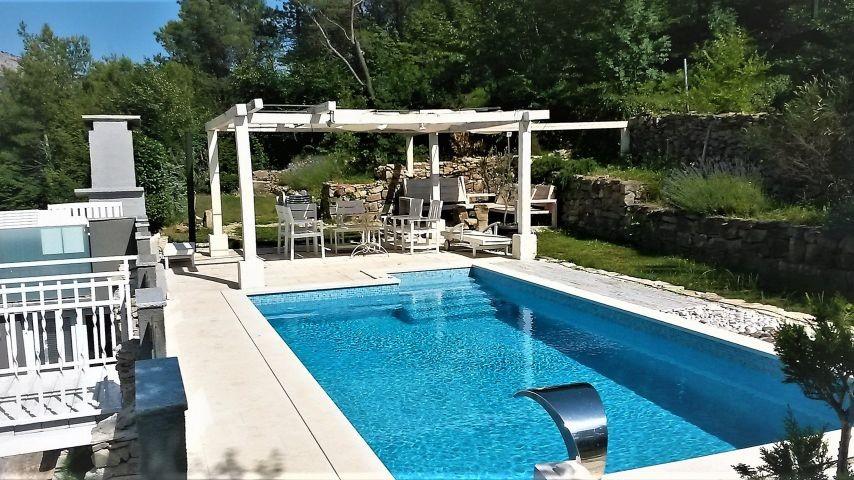 Villa Oblik mit 30m2 Pool, Whirpool und 9 Sonnenliegen