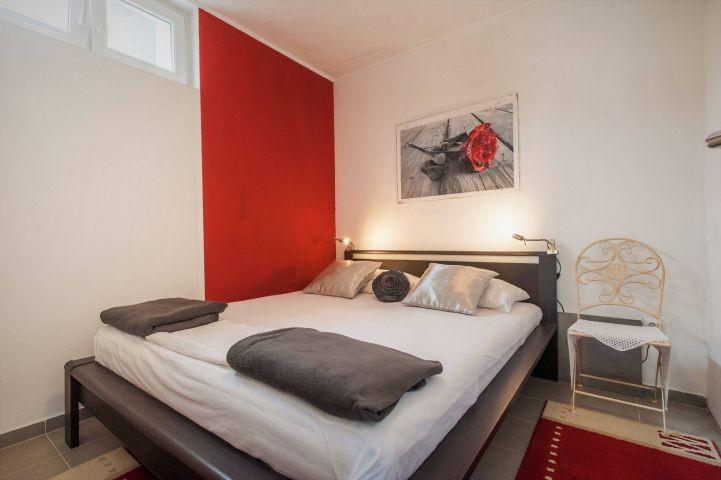 Schlafzimmer Nr. 5 mit Doppelbett