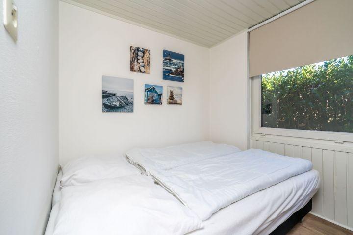 Schlafzimmer 1 mit 2 Einzelboxspringbetten, Erdgeschoss