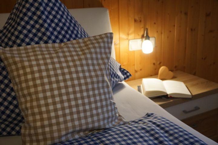 die bereits bezogenen Betten laden zum Träumen ein