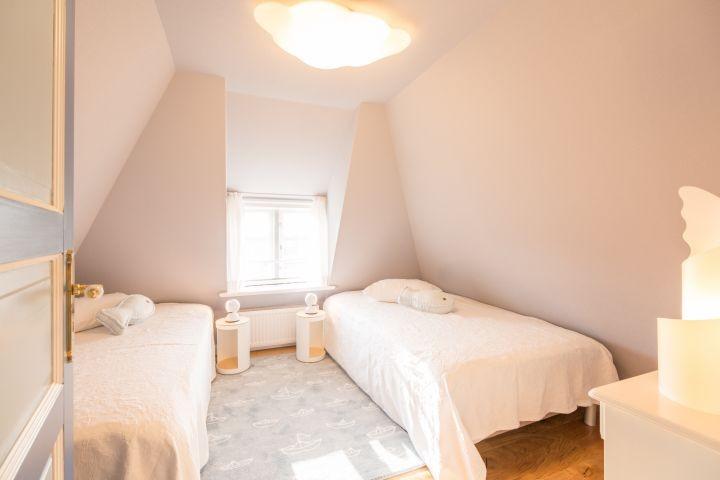 (Kinder)schlafzimmer mit je 1,20m großen Boxspringbetten