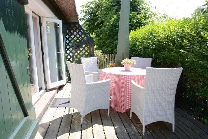 ...mit Sitzplatz,Deckchair und Strandkorb
