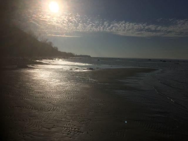 Gleißendes Licht am Strand
