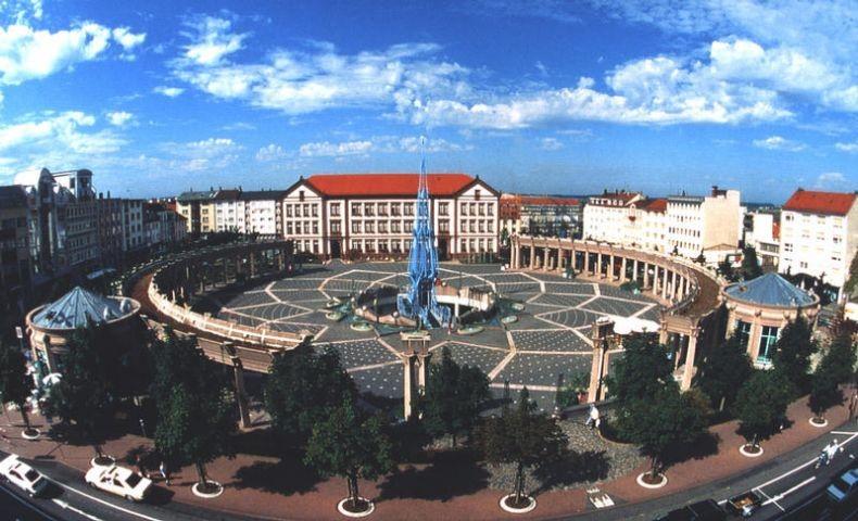 Exezierplatz mit Rathaus von Pirmasens