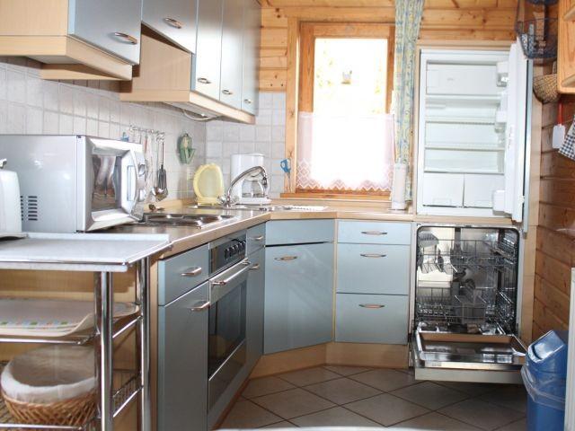 Küche mit Geschirrspüler, ...