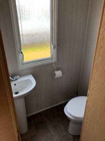 Toilette im Schlafzimmer 1