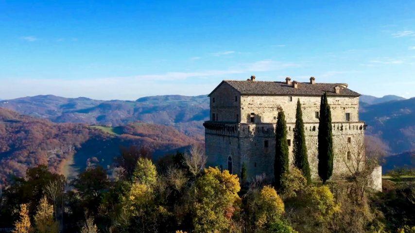 Wanderung zur mittelalterlichen Burg