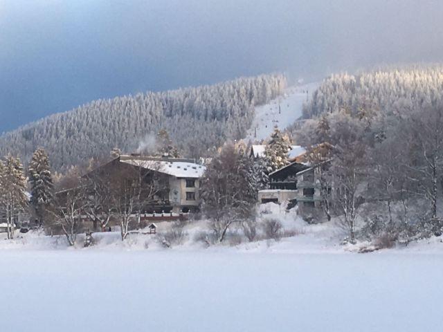 Blick auf den verschneiten Bocksberg