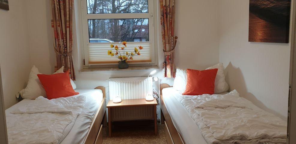 3.Schlafzimmer mit 2 Einzelbetten
