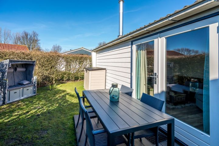 Die 2. Terrasse mit Gartengruppe
