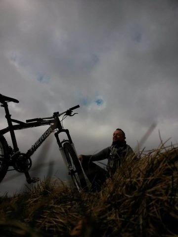 Fahren und genießen - Gartenhütte für Fahrräder vorhanden