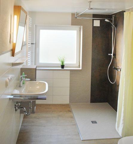 Bad mit DU/WC- Wohnung B