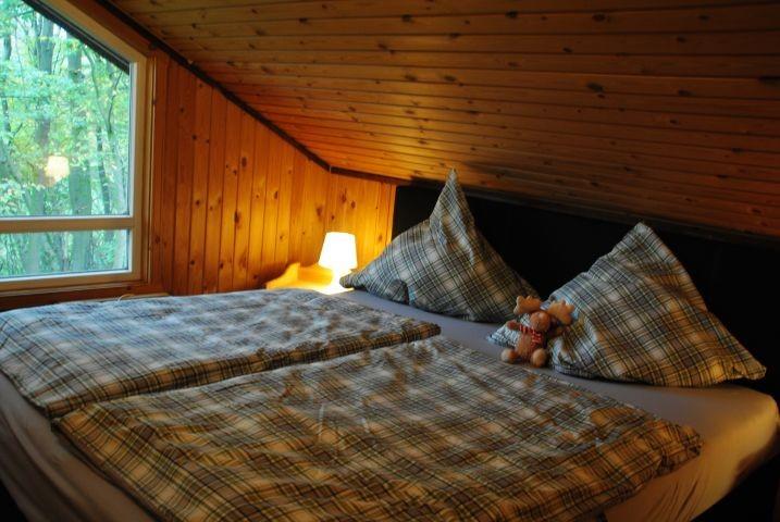 Schlafzimmer im Extetal-Ferienhaus IXI Obergeschoß