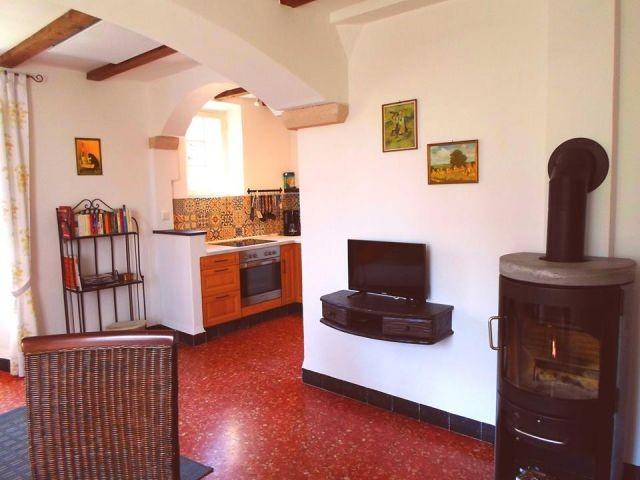 Wohnbereich / Essbereich mit Blick in die Küche