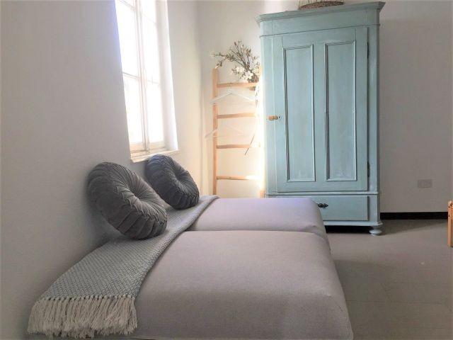 Zwei zusaetzliche Schlafsofas (hin zu stellen im Schlafzimmer oder Wohnzimmer)