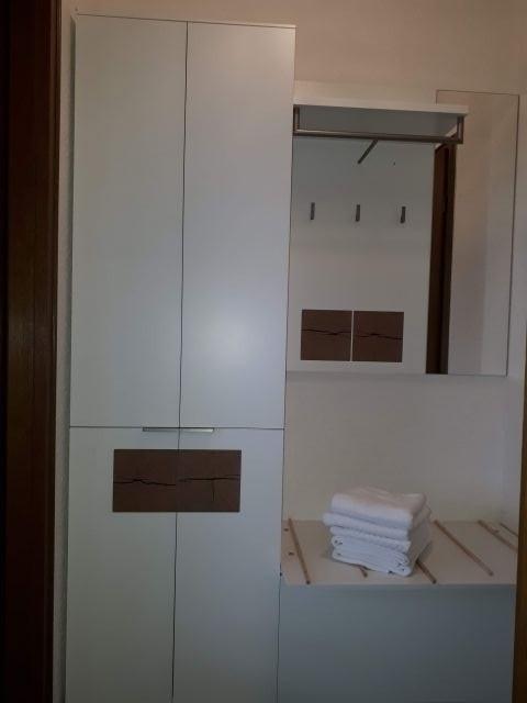 Garderobe in der Diele Zimmer 6