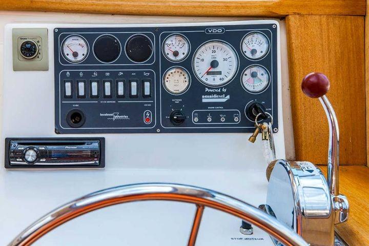 Armaturenbrett des Hausboots