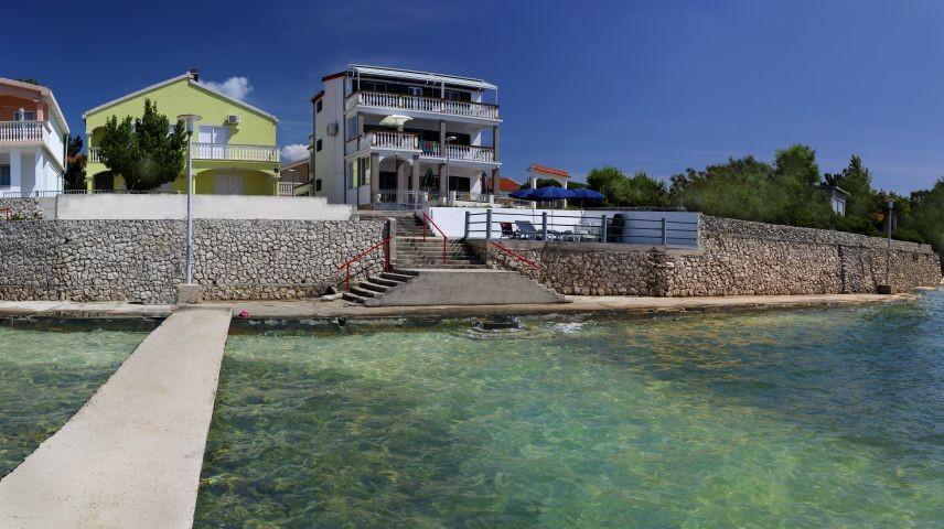 Villa MARY vom Steg aus fotografiert