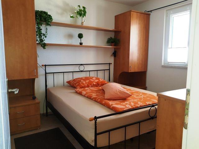 Appartment 1  -  Schlafzimmer 1