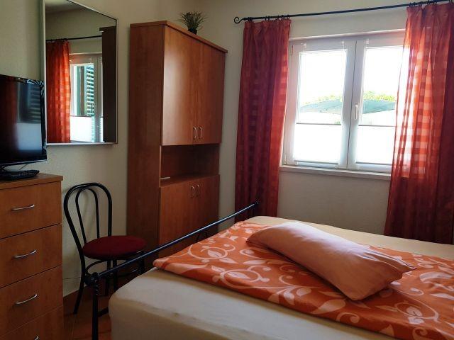 Appartment 1  -  Schlafzimmer 2