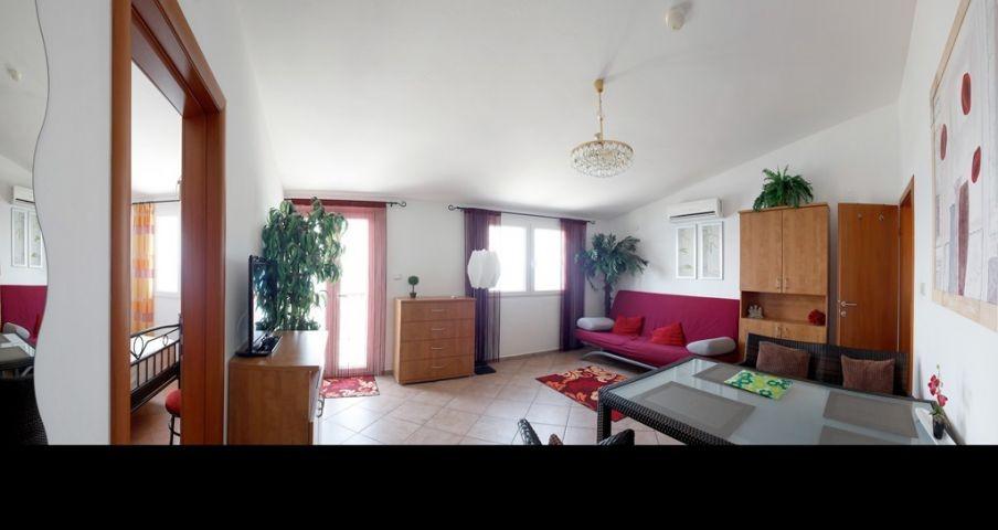 Appartment 5  -  Wohnraum