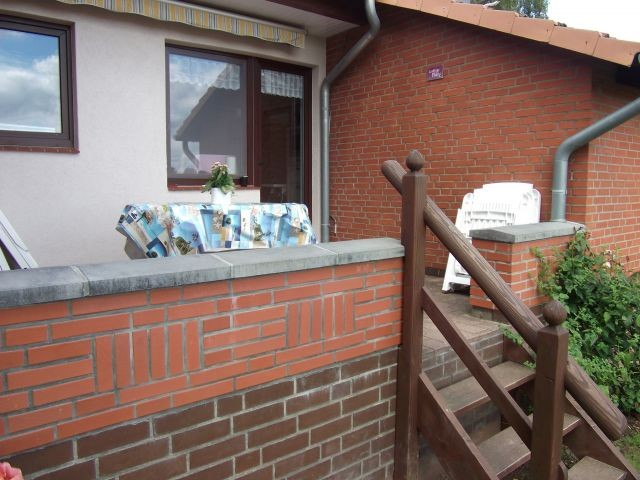 Geschützte Terrasse, von Küche und Wintergarten begehbar