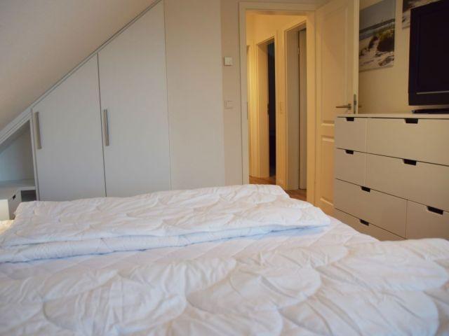 Doppelbettschlafzimmer III mit TV