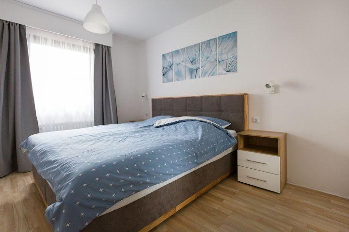 Schlafzimmer 1 mit  Boxspringbett