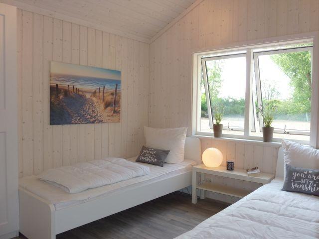 das Schlafzimmer mit den getrennten Betten