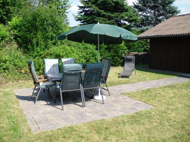 Komfortable Gartenmöbel erwarten Sie...