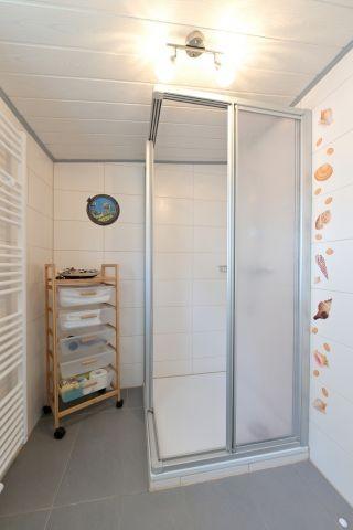 Tageslicht - Duschbad mit Handtuchheizkörper